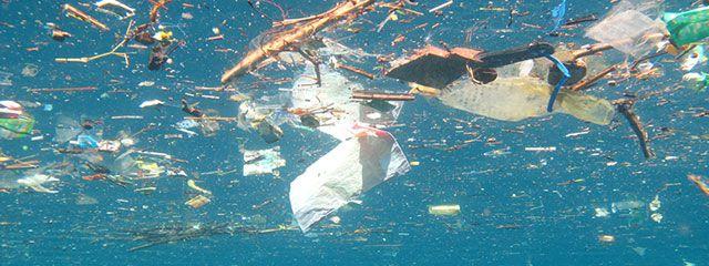 مخاطر البلاستيك